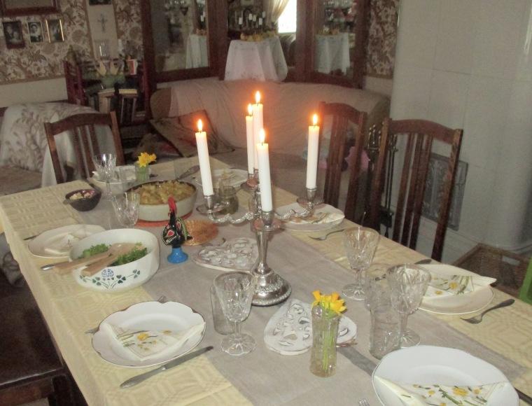 Pääsiäispöytä
