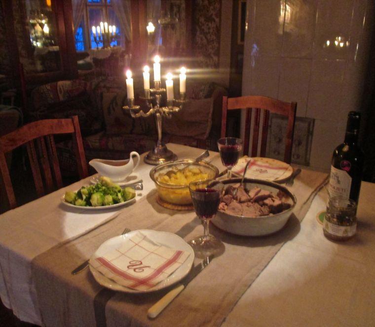 Illallinen salissa